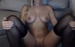 HOT BLONDE SOLO PLAY WEBCAM SHOW